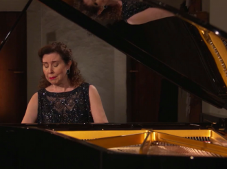 Angela Hewitt in Leipzig receives the Bach Medal and plays the Golberg Variations